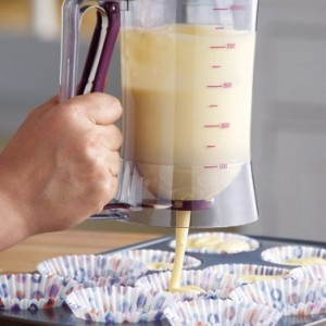 Cake-Batter-Dispenser-With-Measuring-Label-0