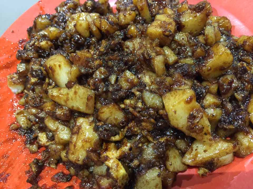 fried carrot cake bedok food centre