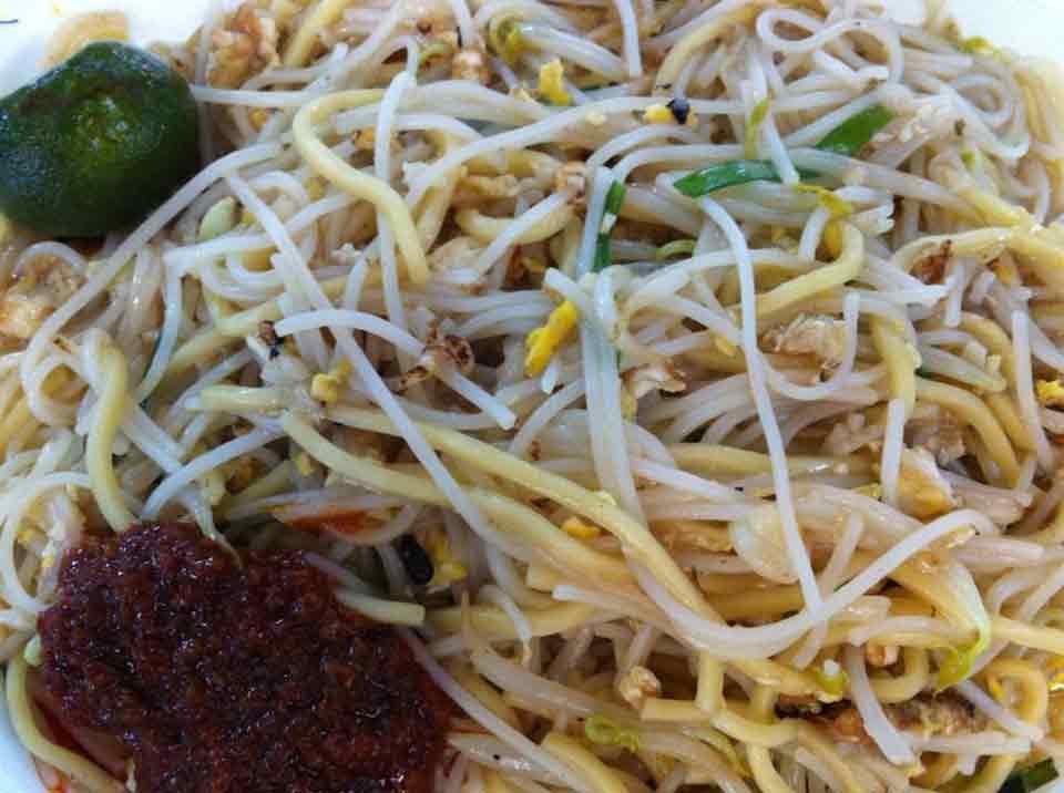 https://www.foodclappers.com/wp-content/uploads/fried-hokkien-mee-bedok-feng-shan