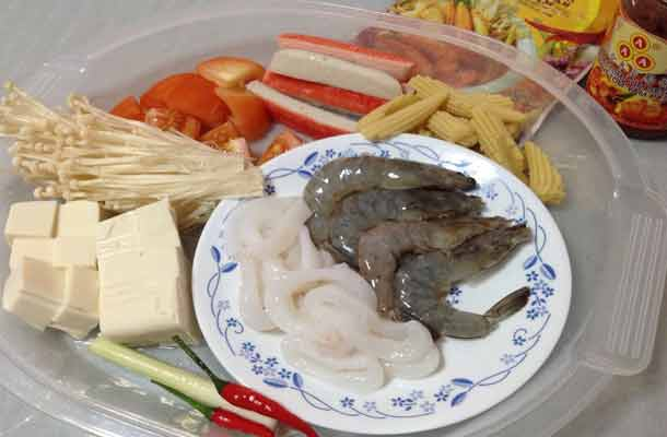 Instant-Tom-Yam-Seafood-Recipe-slide