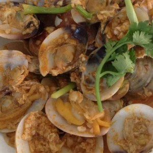 white clam with chili crab sauce